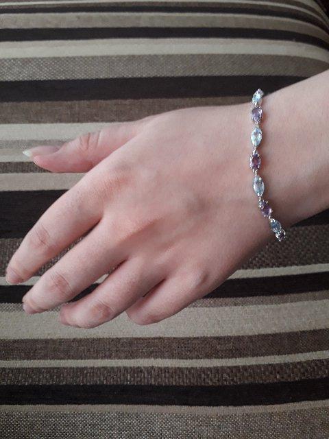 Красивый и нежный серебряный браслет (размер 18)
