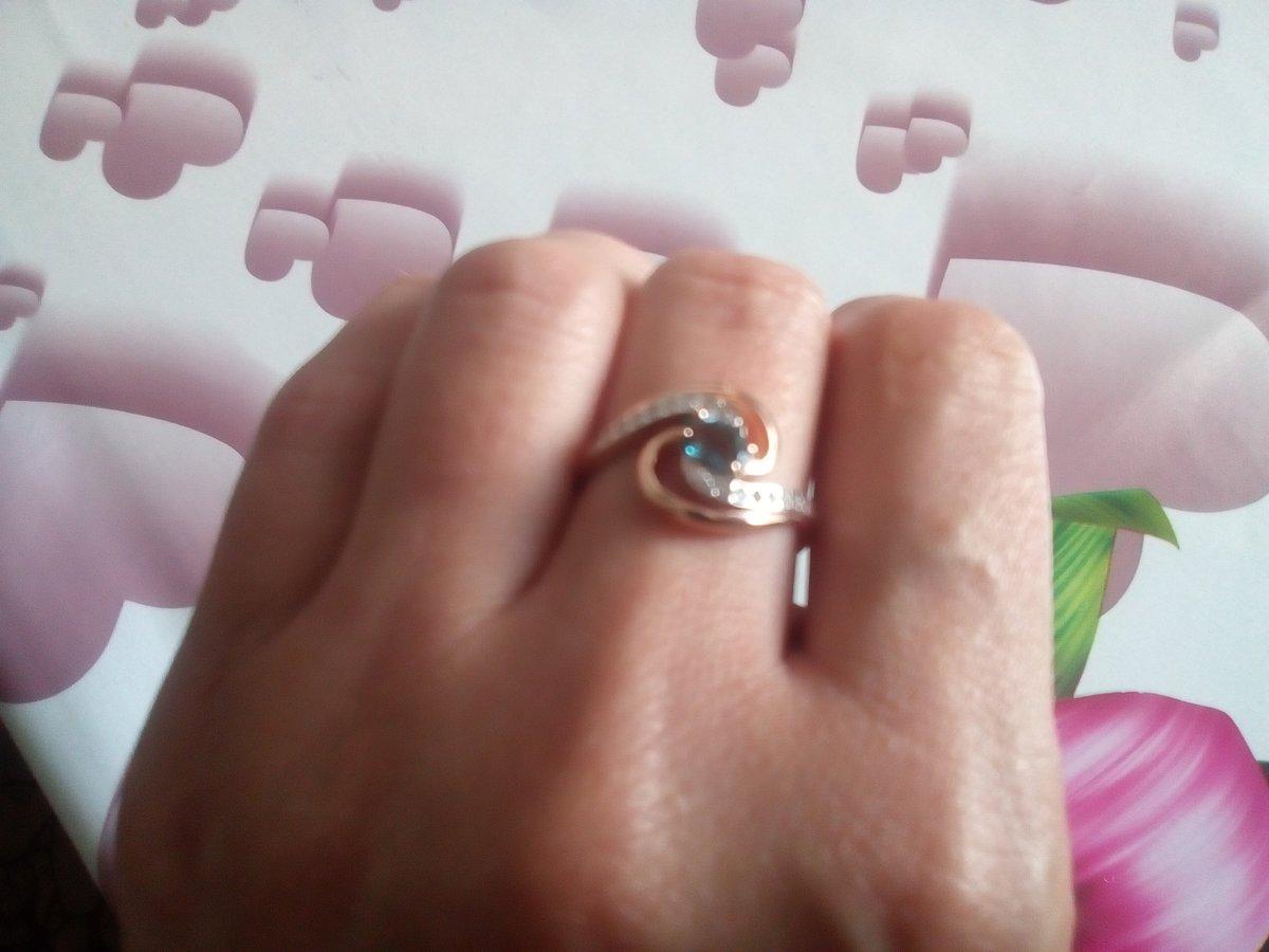 Позолоченное кольцо с топазом
