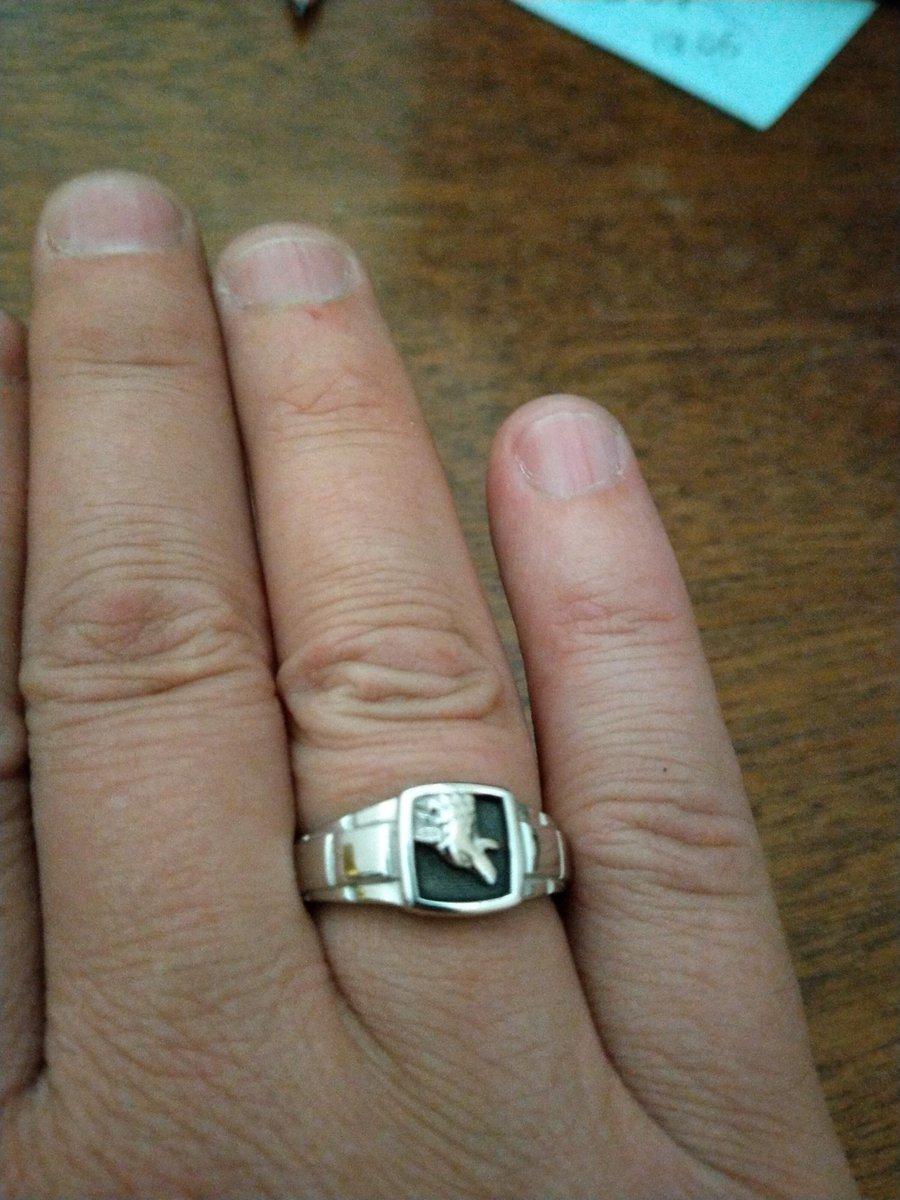 Кольцо с волком.