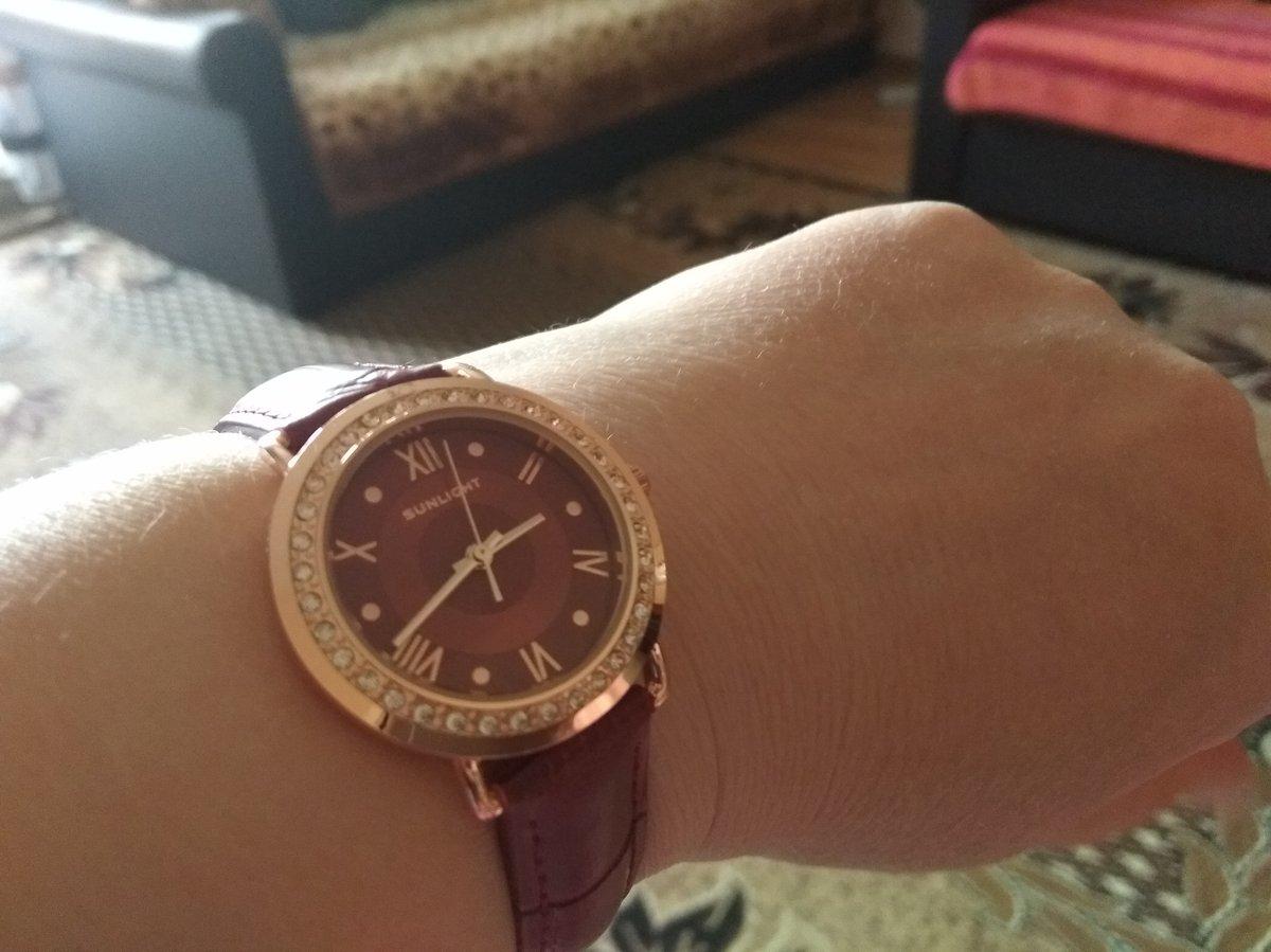 Часики красивые.