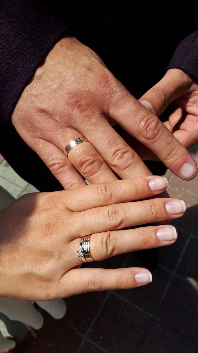 Отличные обручальные кольца