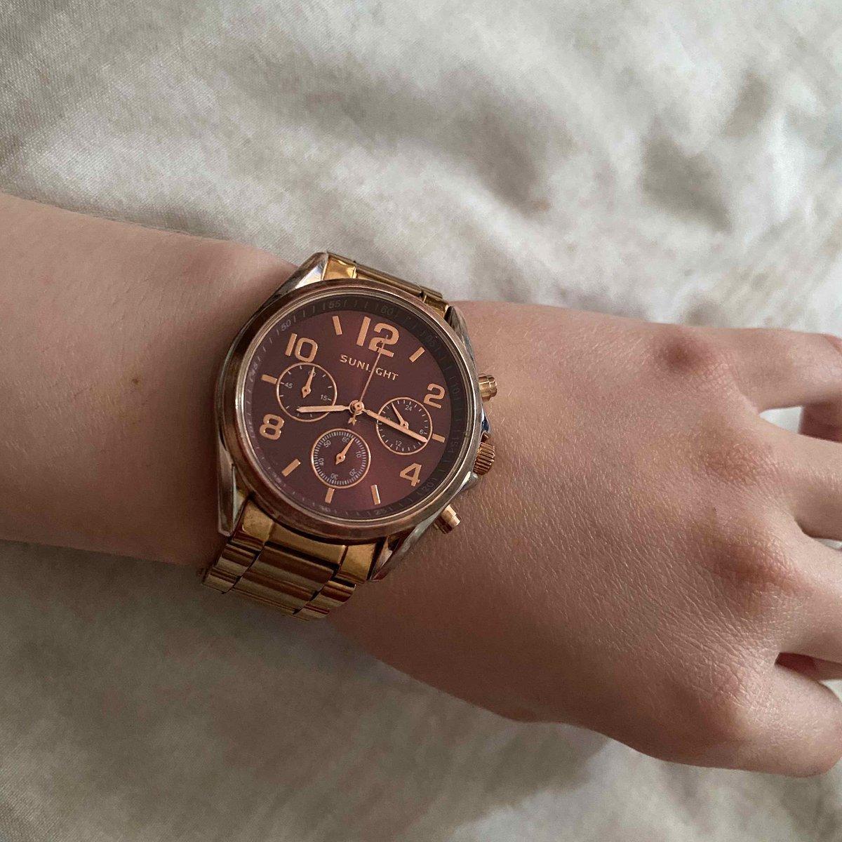 Отличные часы. Выглядят дорого