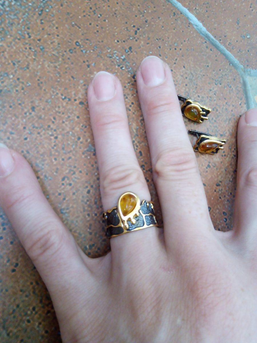 Кольцо янтарь, чернение, позолота