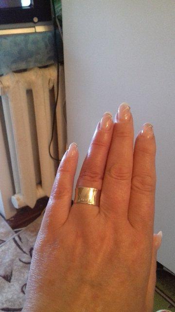 Кольцо серебряное широкое.