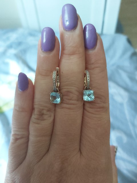 Серьги с топазами и бриллиантами.