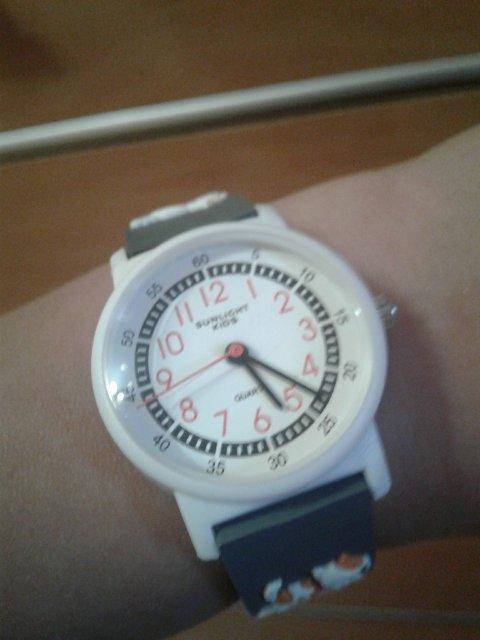 Хорошие детские часы.