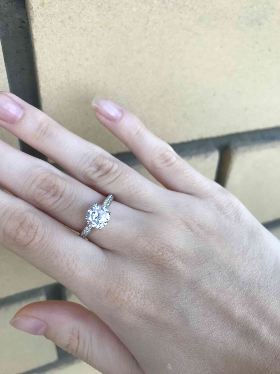 Шикарноео кольцо!