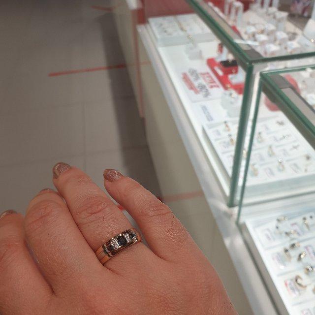 Отличное кольцо и камень натуральный