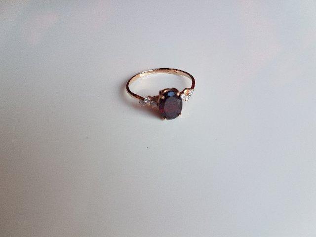 Кольцо с гранатом