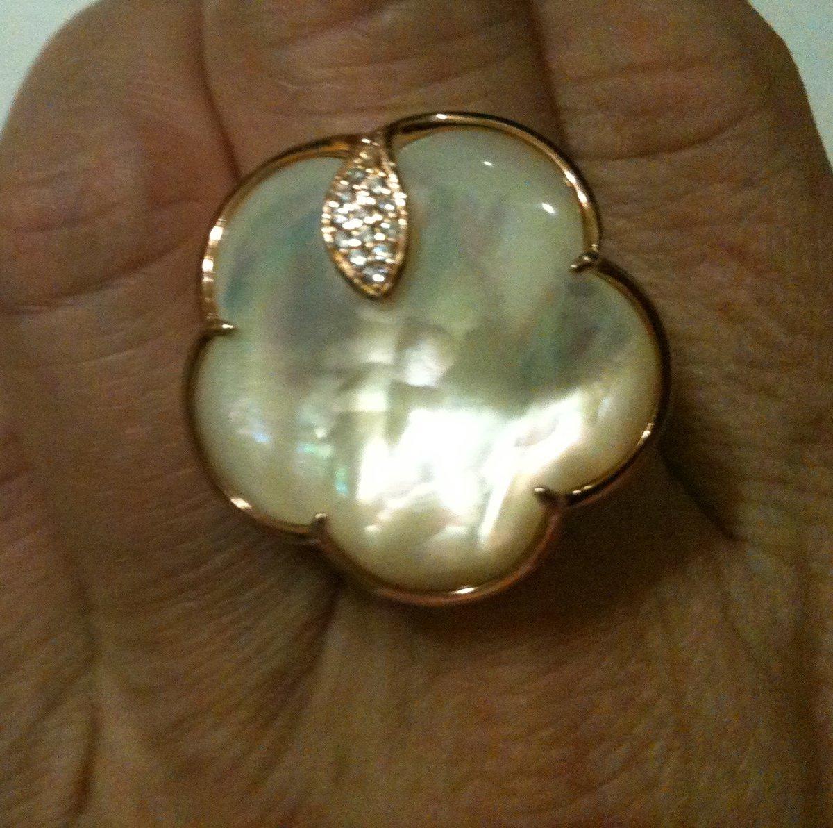 Стильное, элегантное кольцо смотрится дороже