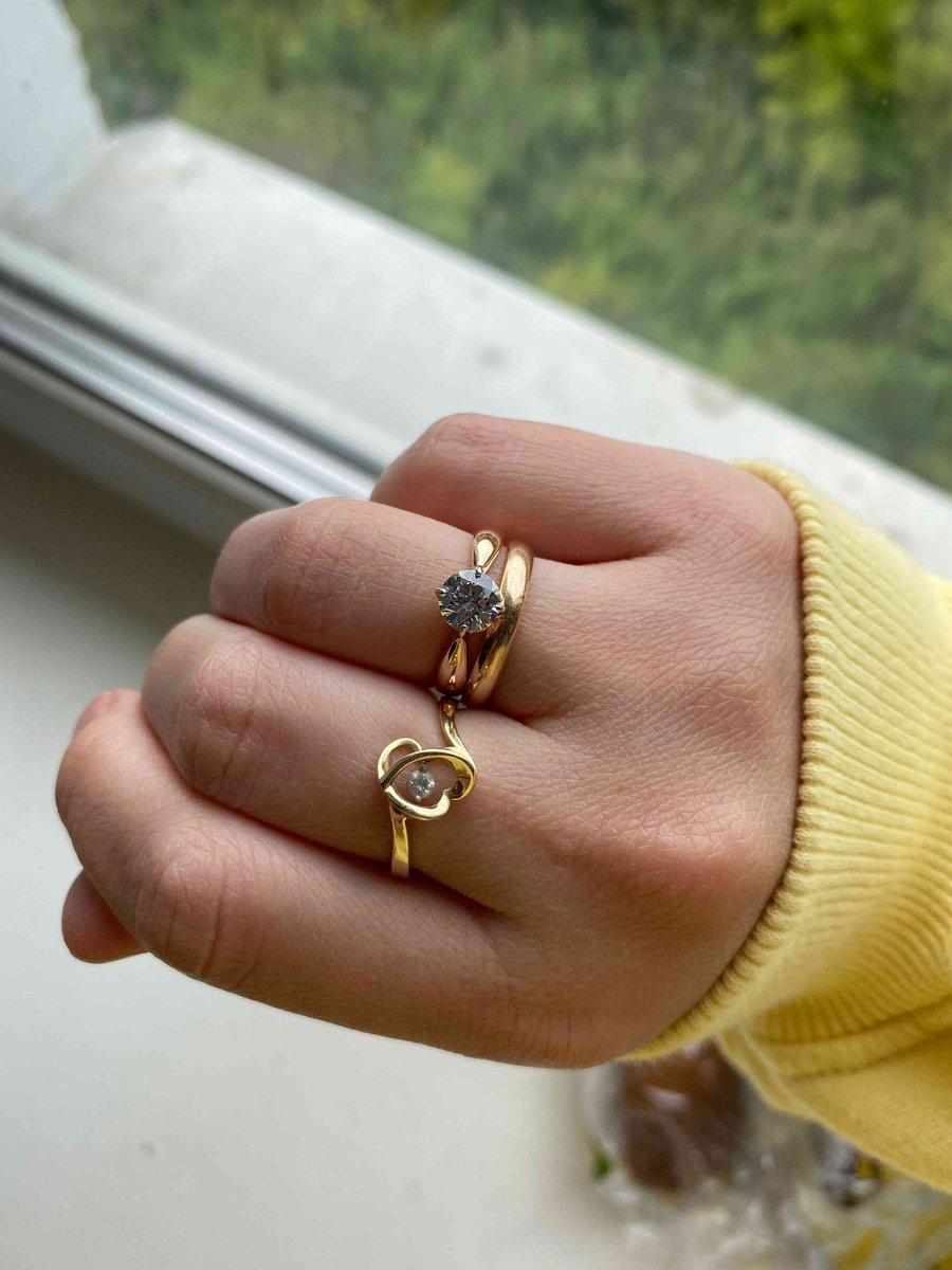 Кольцо красивое, камень большой