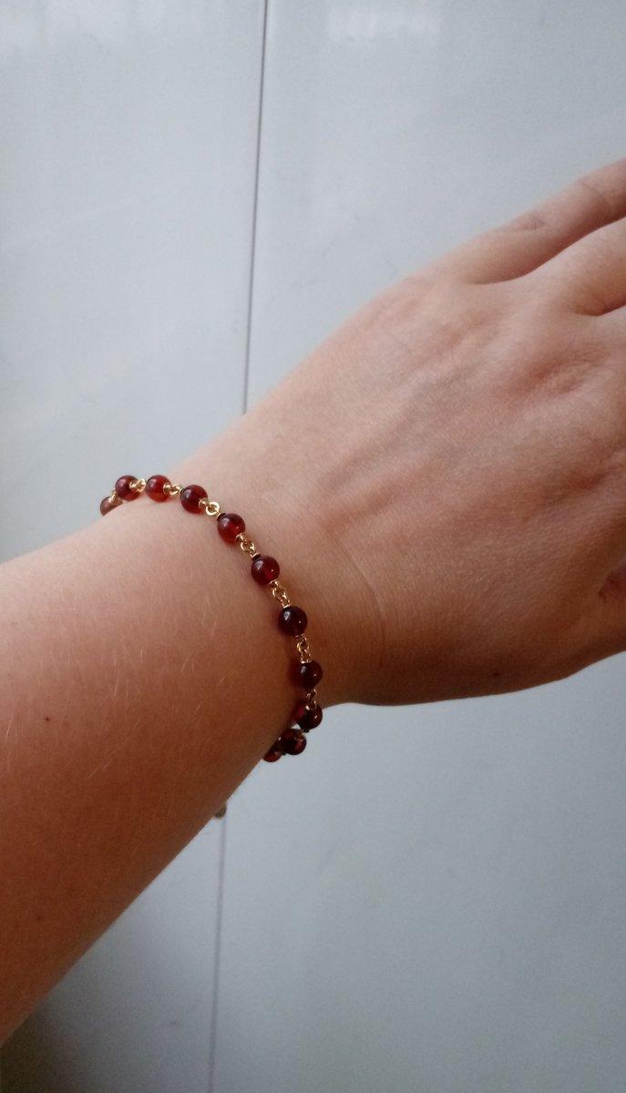 Нежный браслет с янтарем