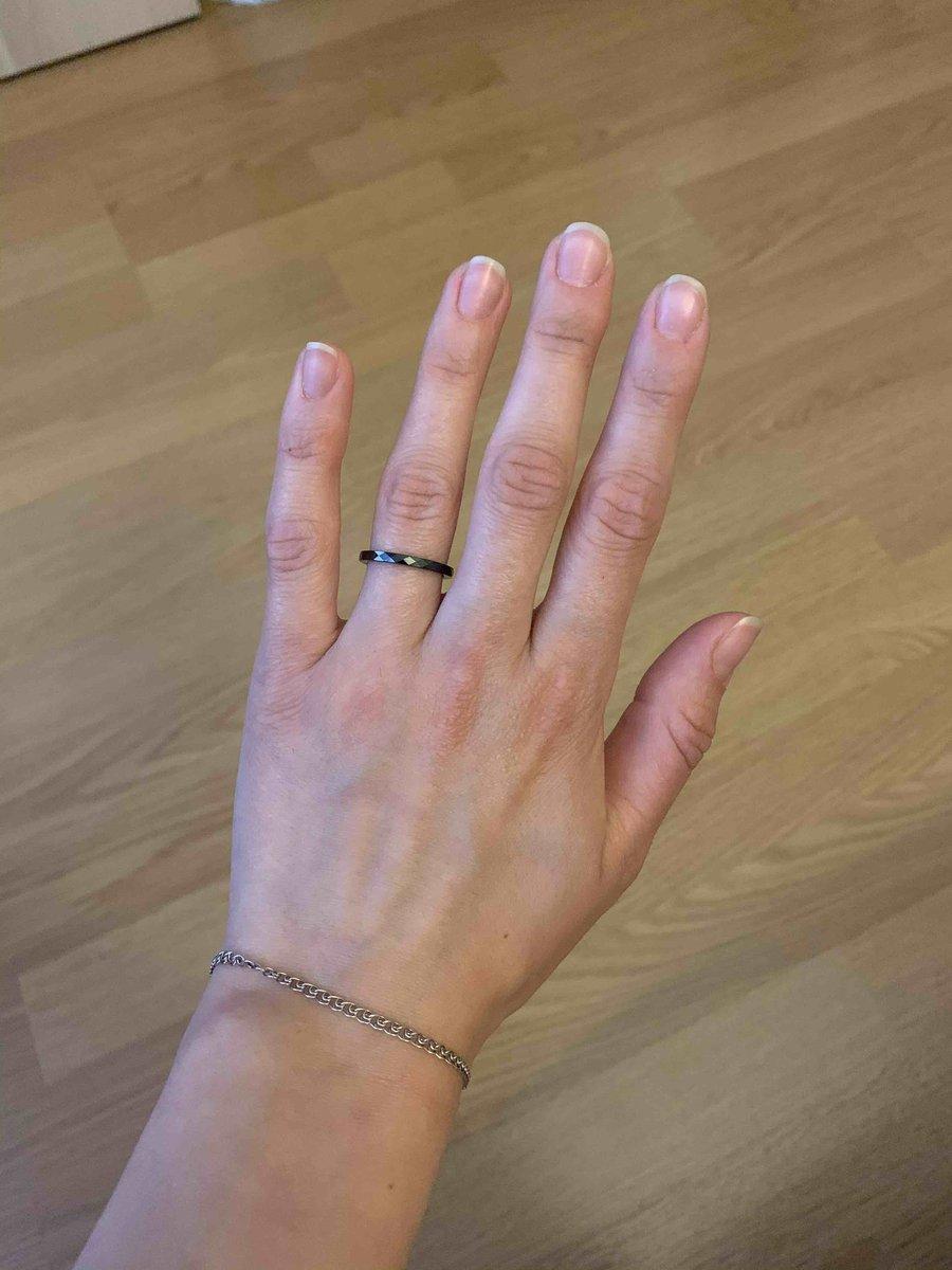 Хорошее кольцо,смотрится очень аккуратно