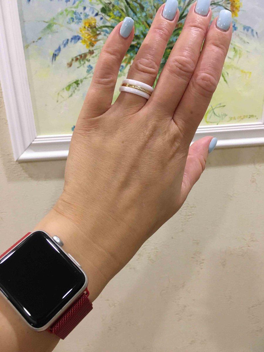 Отличное колечко👌на руке смотрится очень дорого👌👌👌керамика прочная