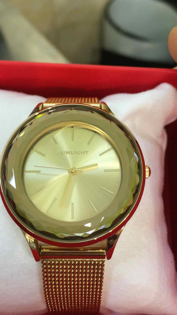 Часы очень понравились красивые!!