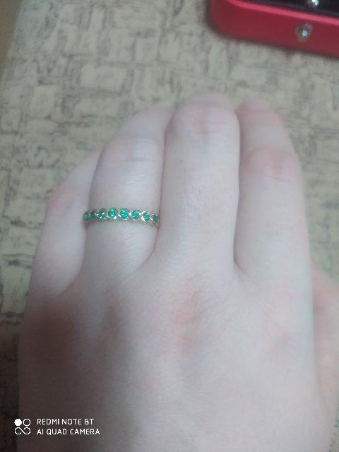 Кольцо с изумрудами.