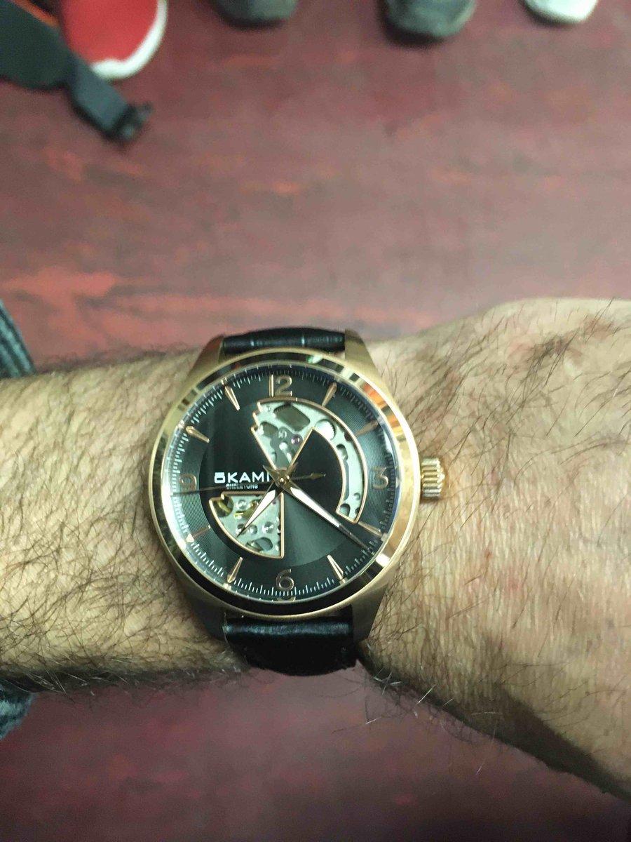 Часики норм, работают секунда в секунду! доволен уже своими часами!