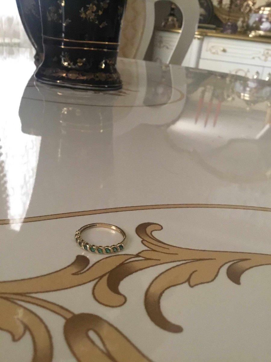 Золотое кольцо с изумрудами,