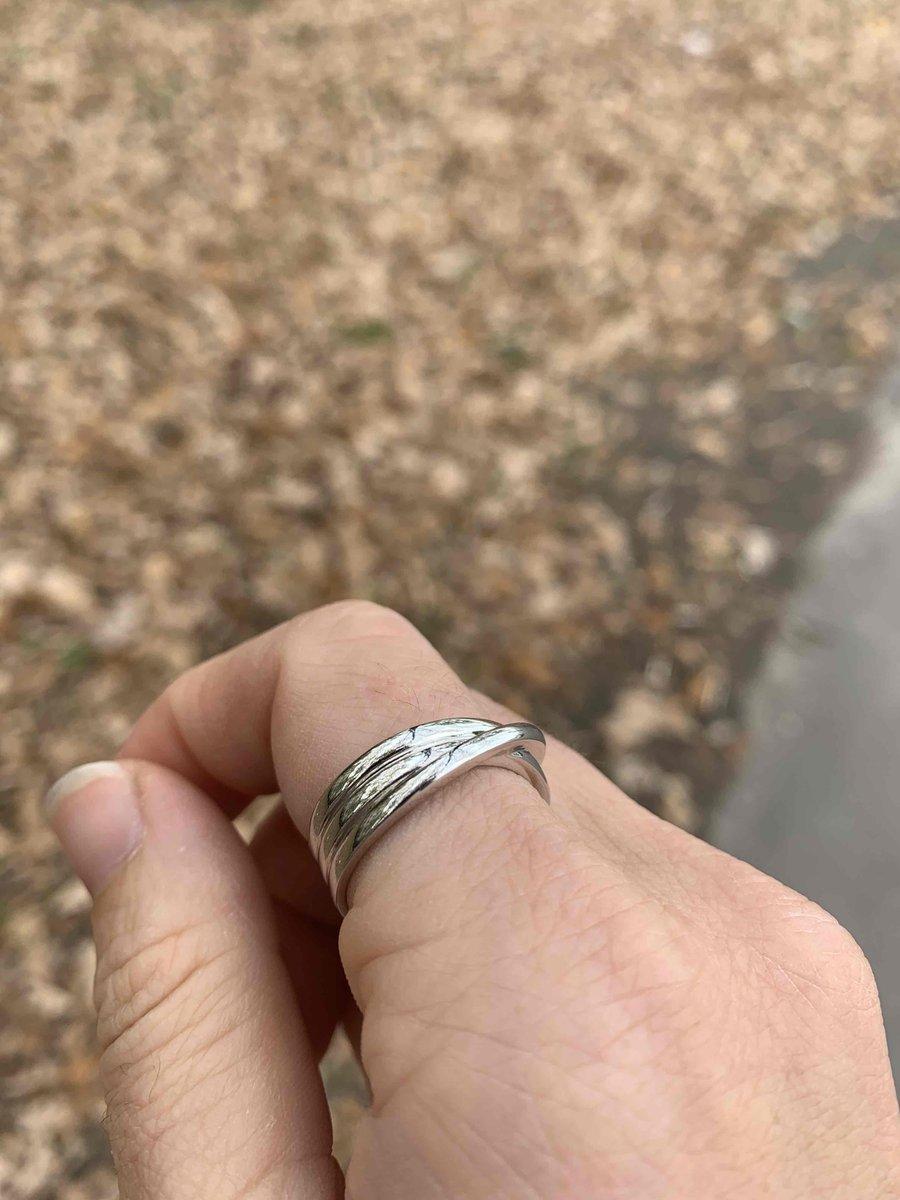 Красивое, легкое кольцо)