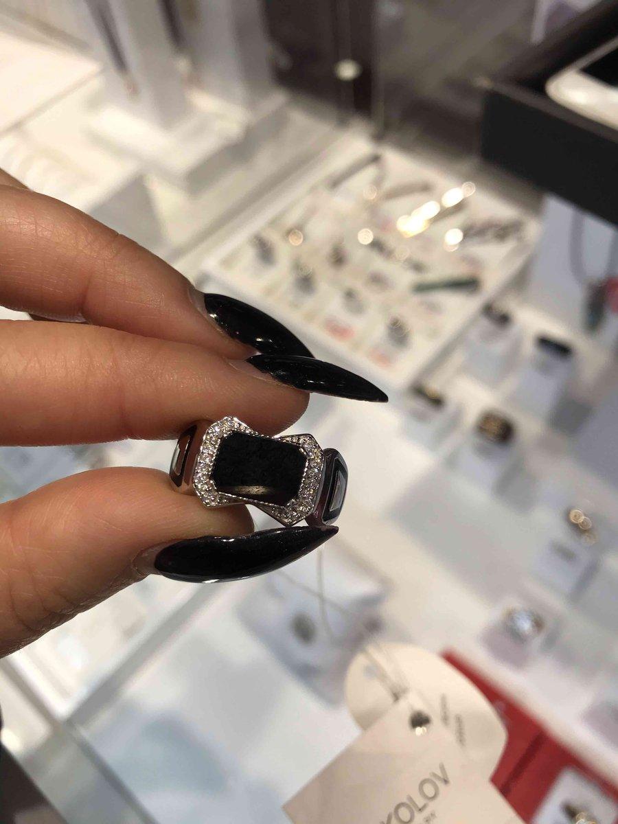 Красивое ,изящное кольцо