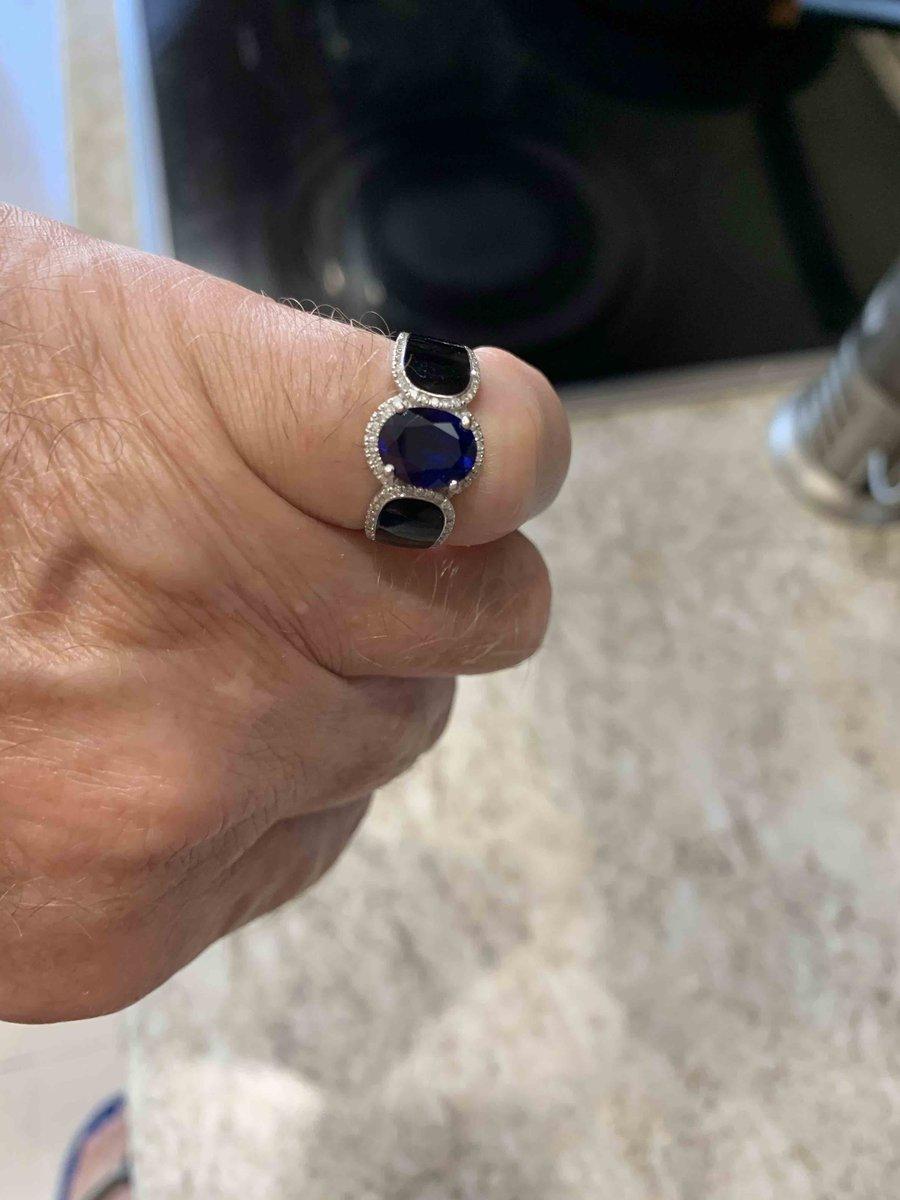 Стильное и очень красивое кольцо.