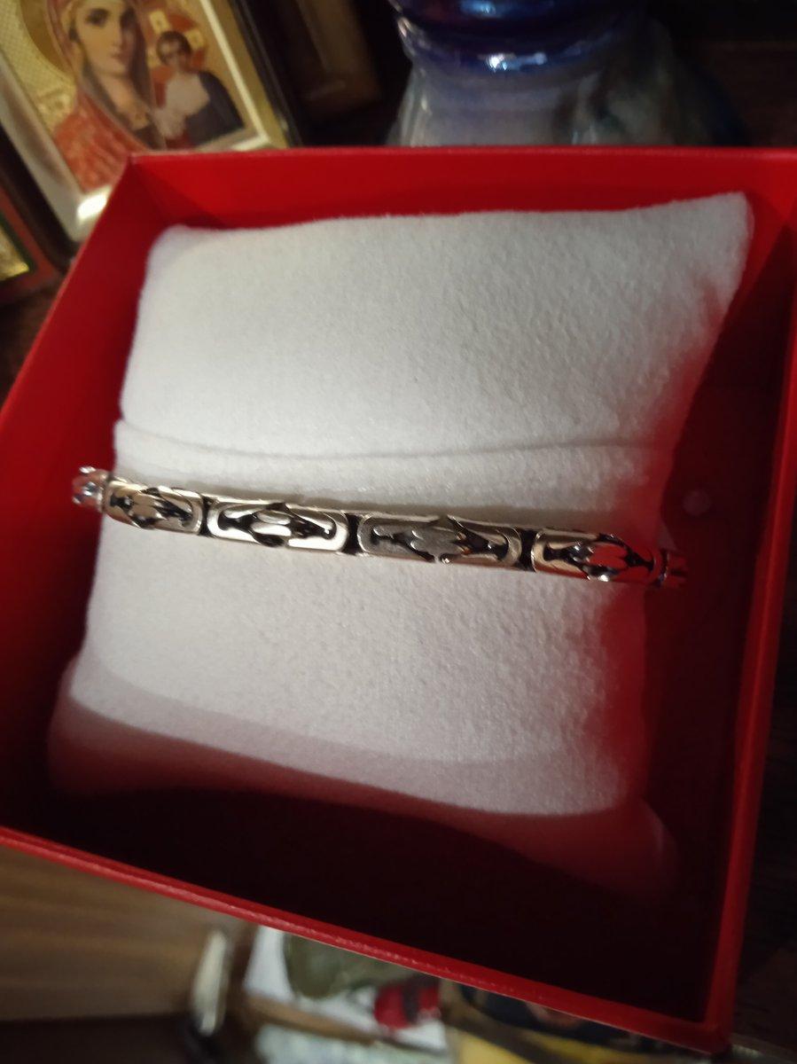 Купили мужу браслет, о котором он давно мечтал.