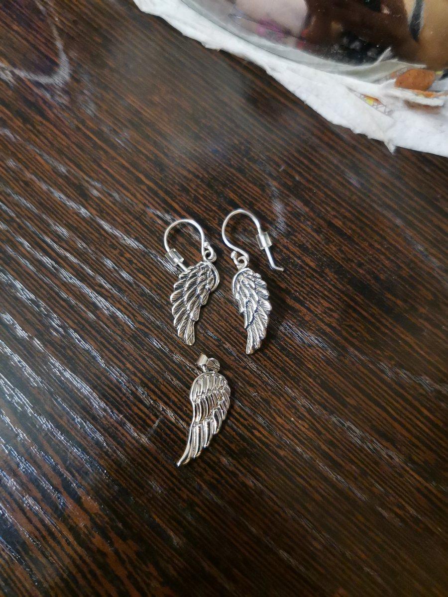 Классные сережки крылья