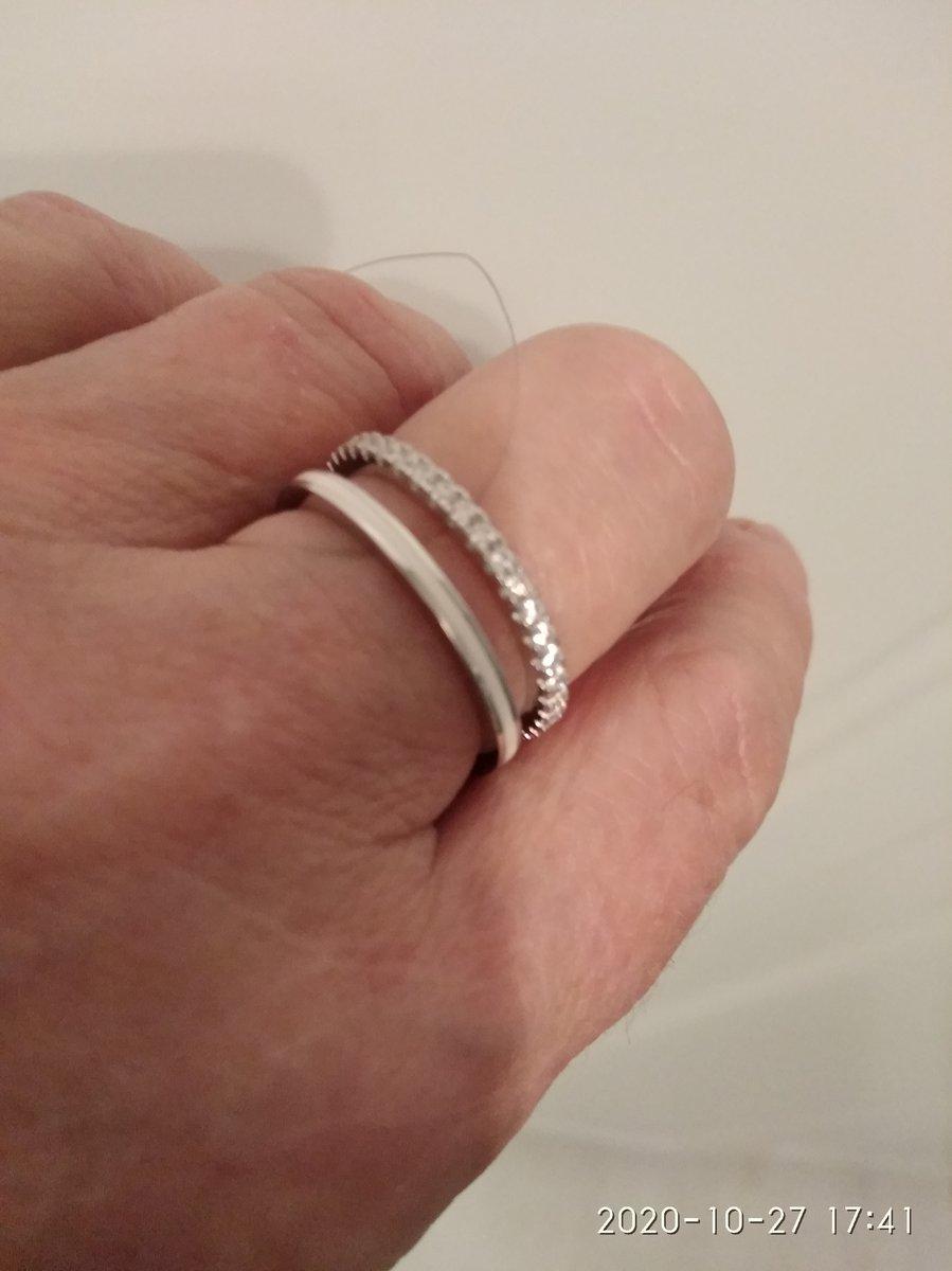 Серебряное кольцо с эмалью и фионитами