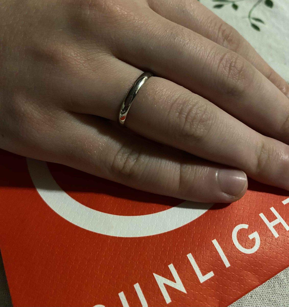 Очень красивое и минималистичное кольцо.