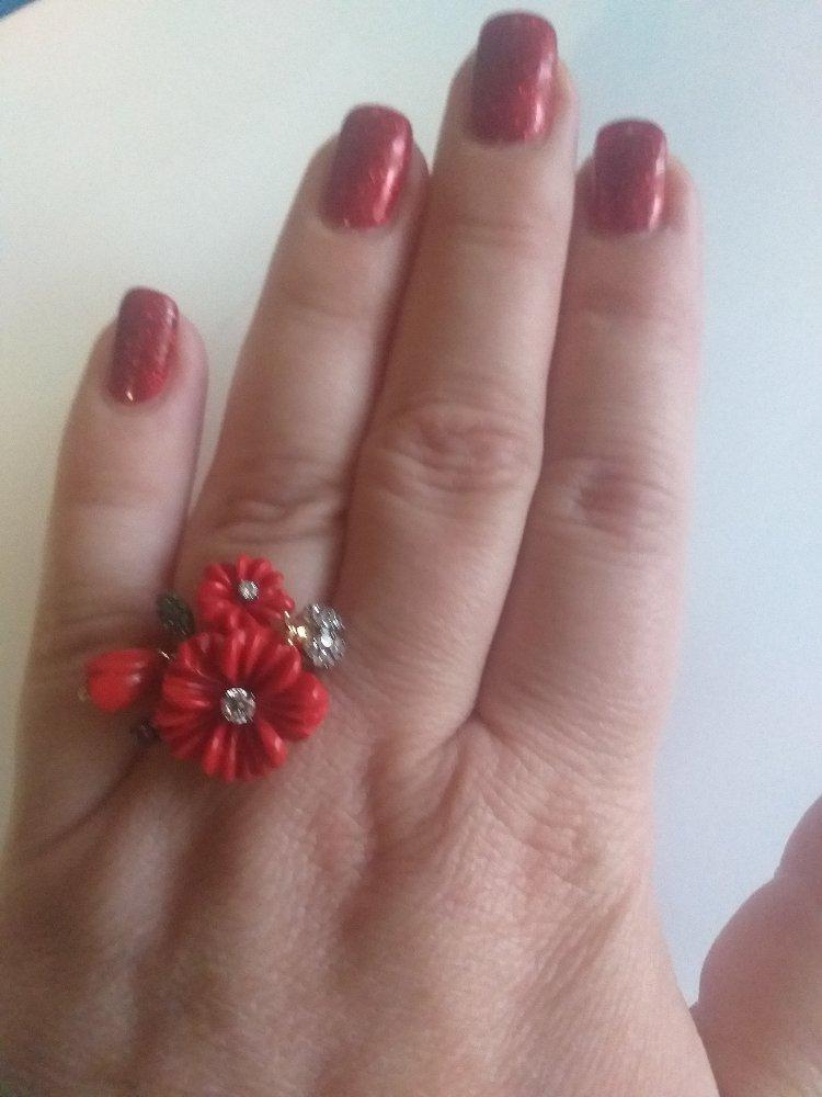 Кольцо серебряное с кораллом