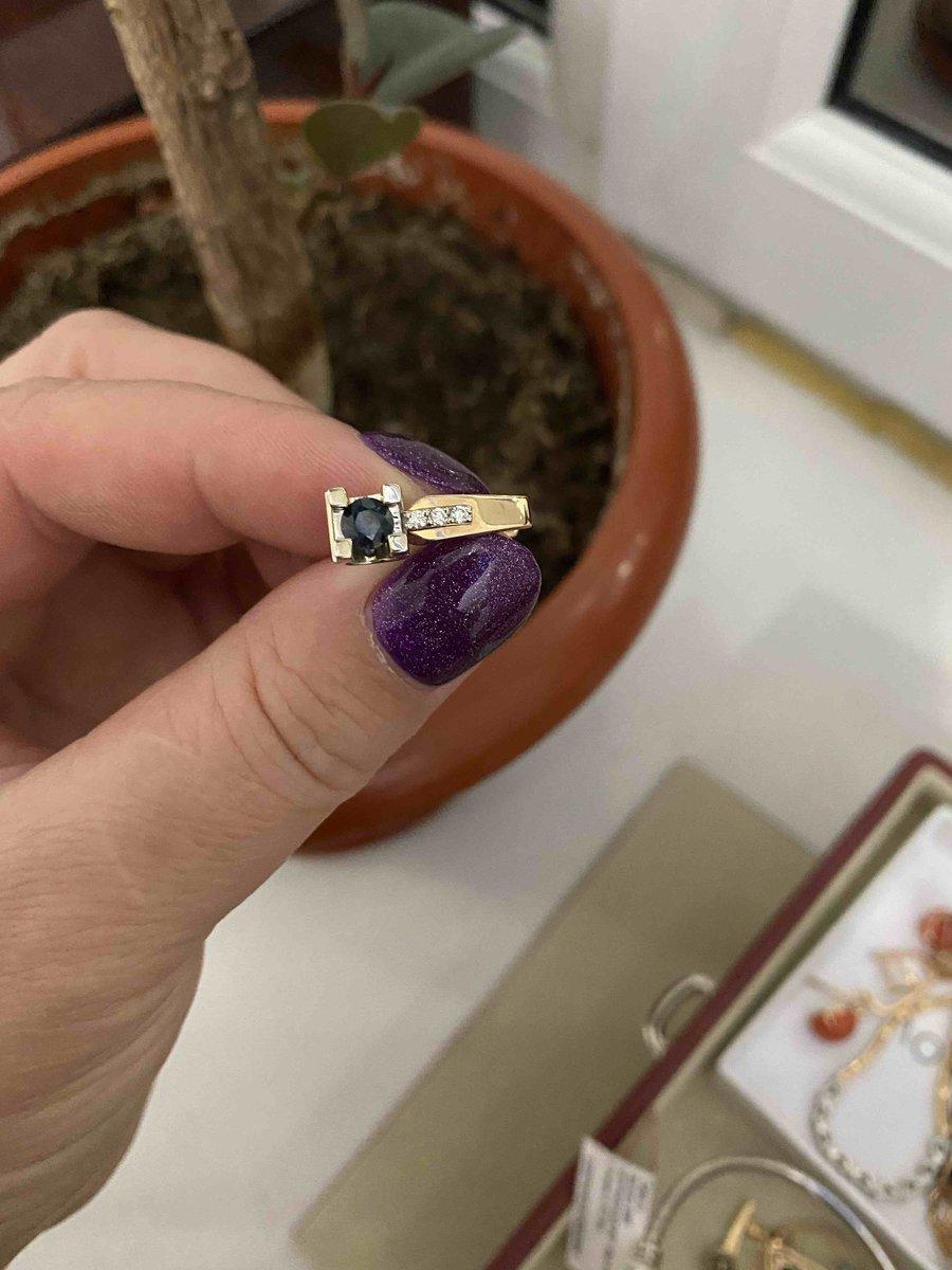 Купила кулон, серьги покупала до этого и заказала кольцо, сразу 2 размера