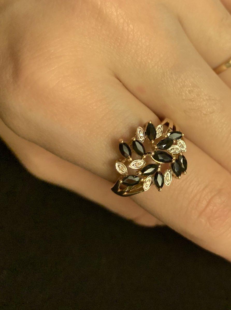 Шикарное кольцо для настоящих леди