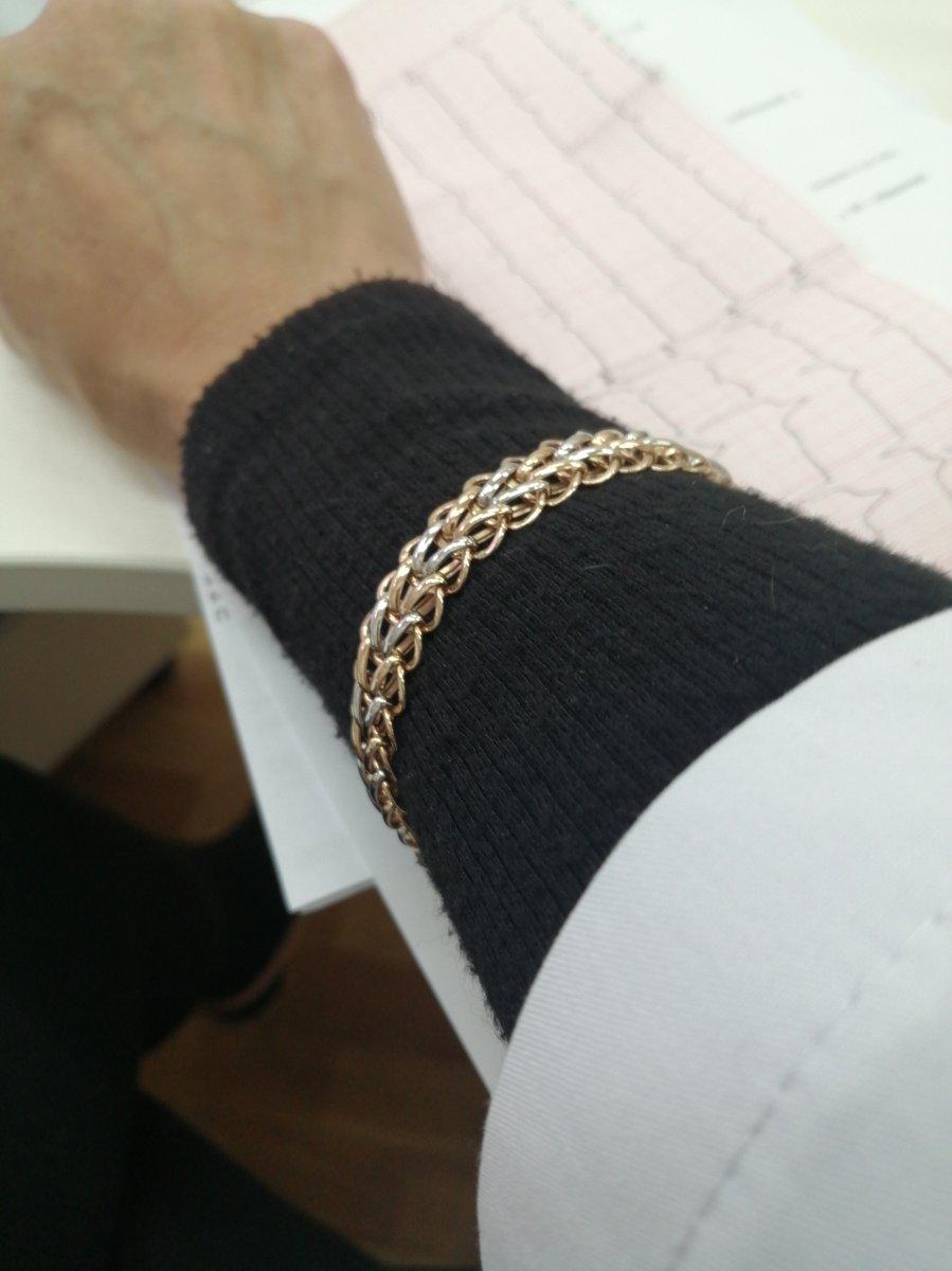 Прекрасный объёмный браслет