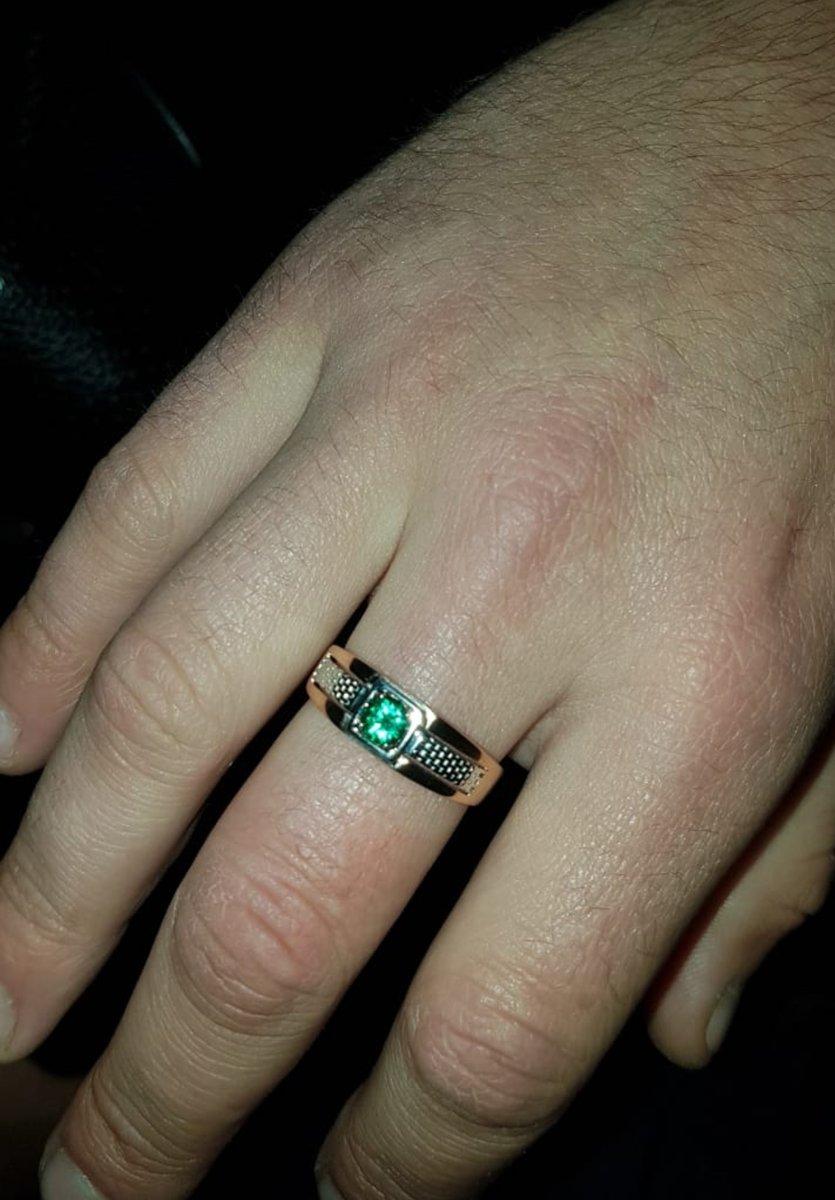 Долго думала,что подарить мужу на юбилей. увидела это кольцо. решила купить