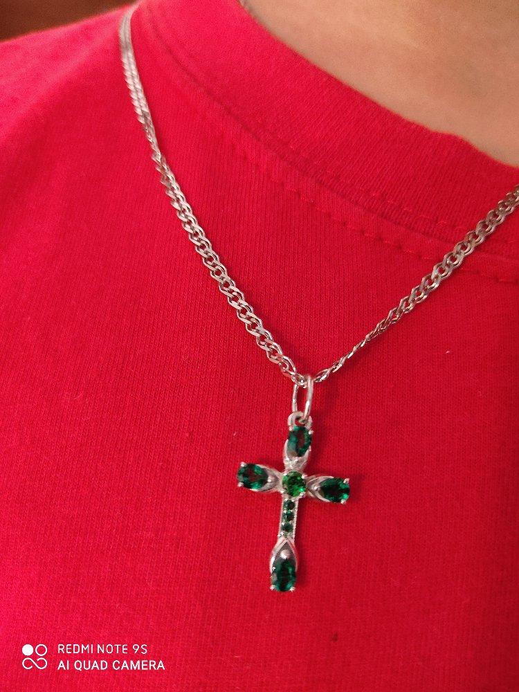 Серебряный крестик с камешками