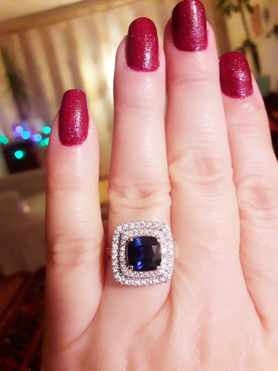 Серебрянное кольцо с сапфиром😍😍💕💎