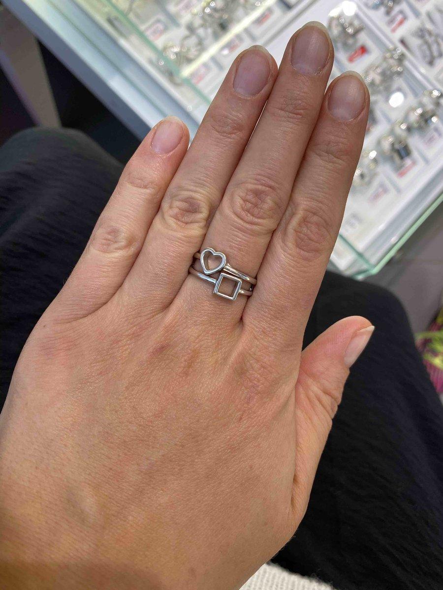 Очень стильное минималистичное кольцо