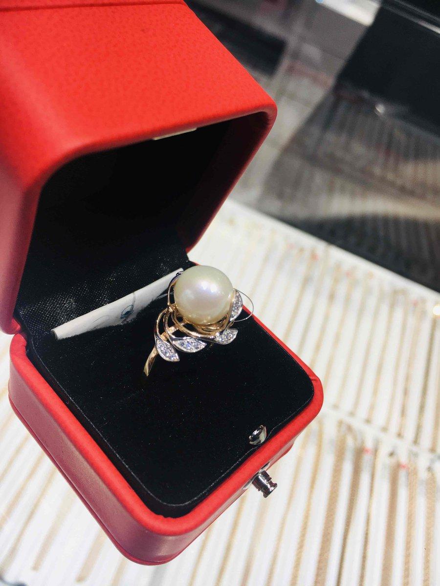 Купил для невесты)