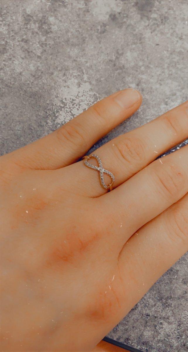 Ох, ну это кольцо реально бесконечность