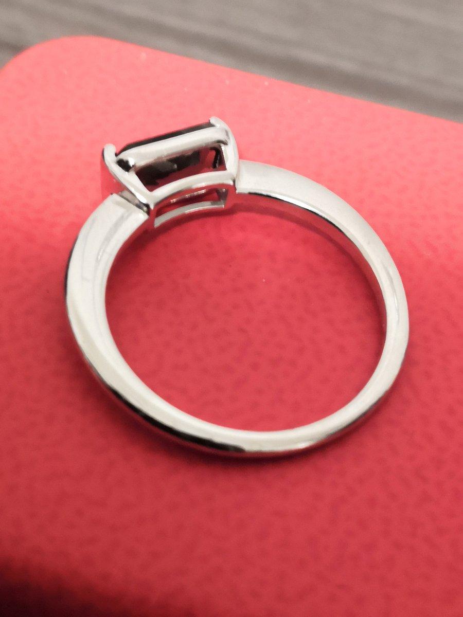 Кольцо с чёрным алмазом