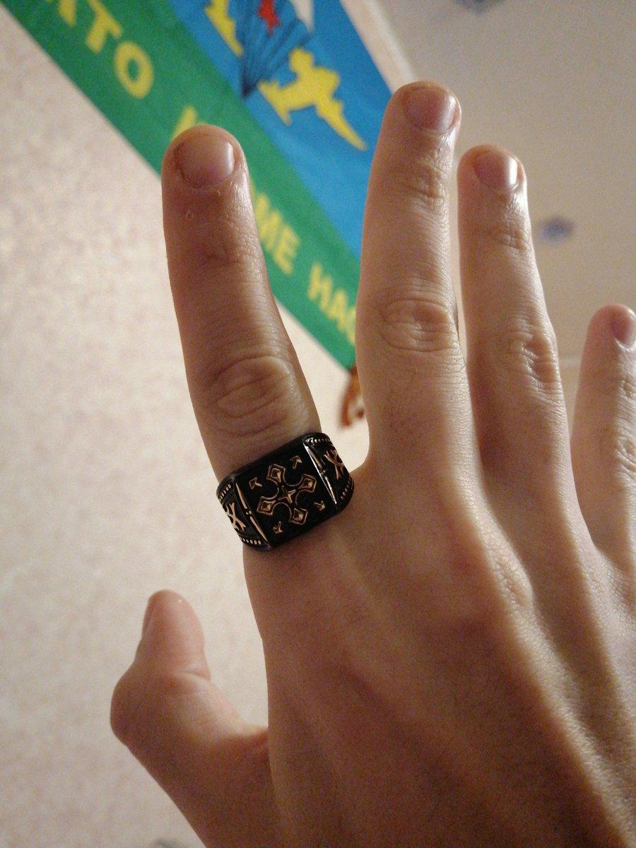 Перстень дешовый но выглядит богато