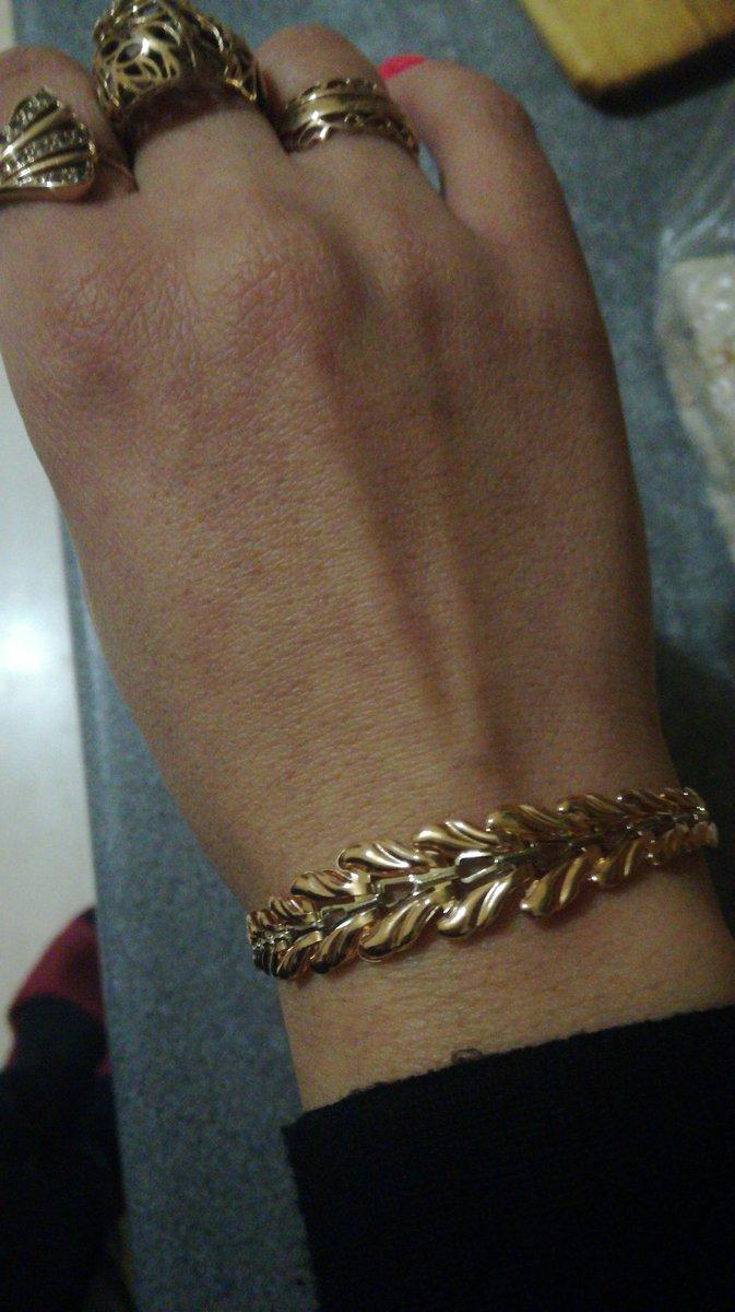 Красивый браслет.нежный.
