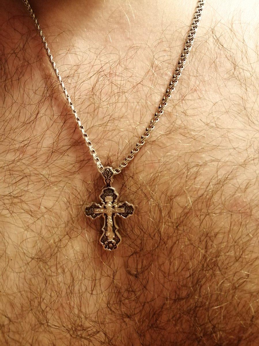 Мощный крест