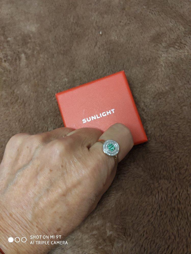 Кольцо с бриллиантами и изумрудами