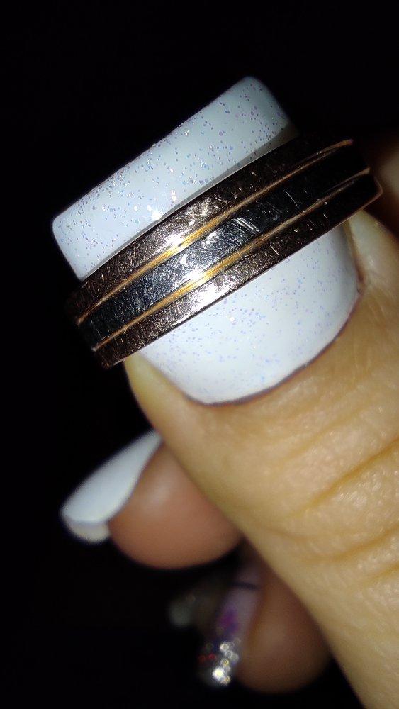 Купили обручальные кольца