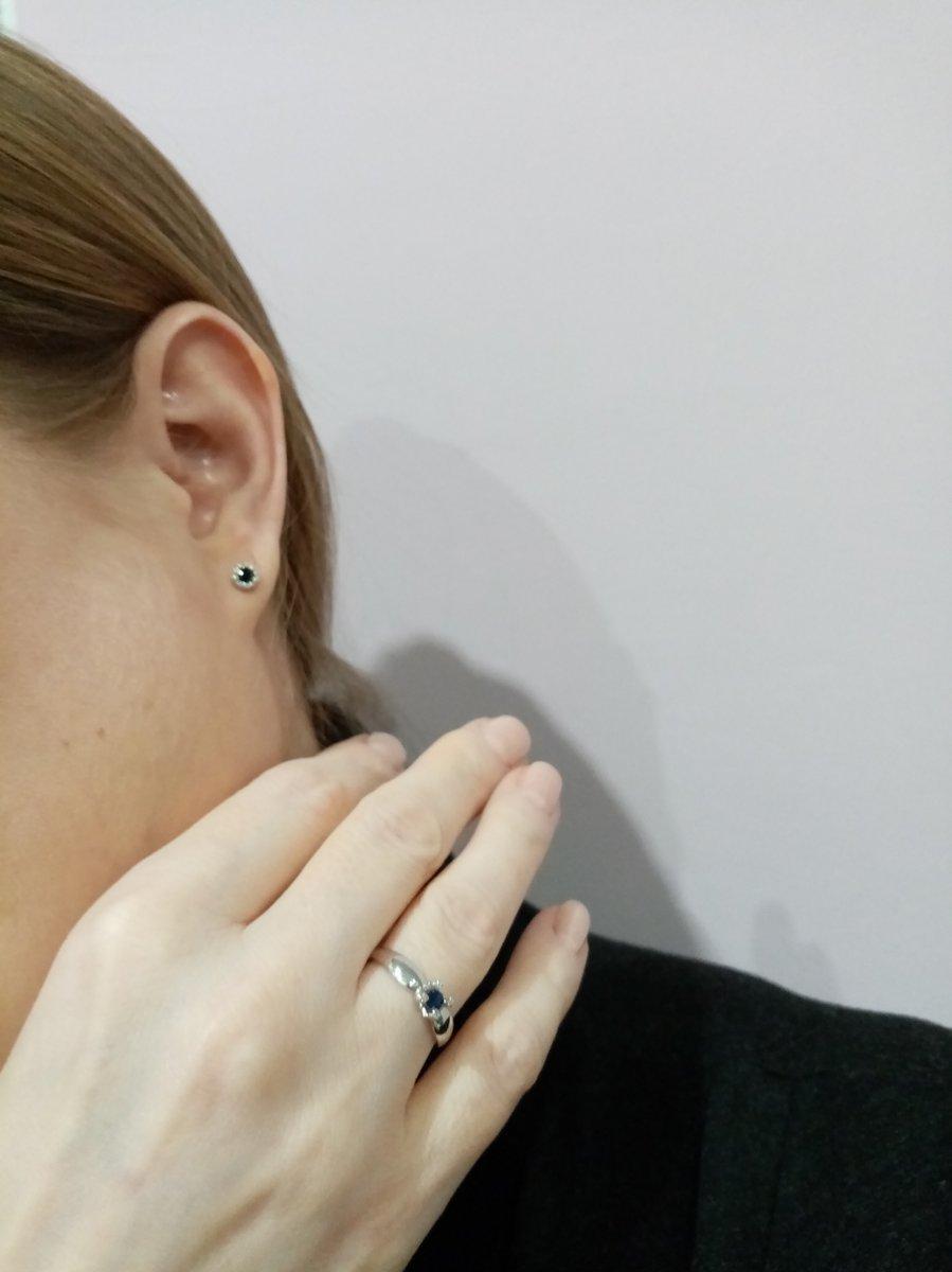 Замечательный подарок к нг, кольцо с сапфиром и бриллиантами в белом золоте