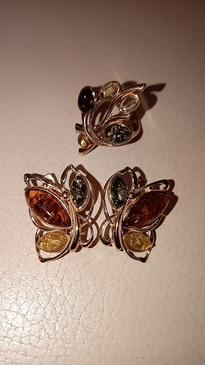 Оригинальные серьги с янтарём