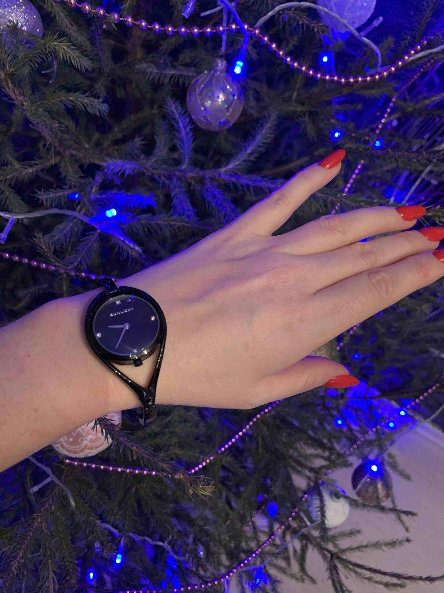 Чёрные часы женские
