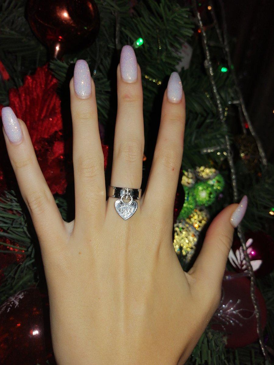 Кольцо для юной девочки.