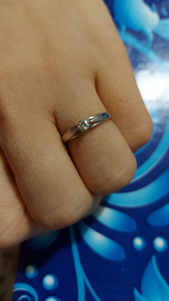 Покупал кольцо жене